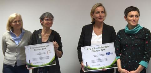 De gauche à droite: Fabienne Giteau, infirmière, et Catherine Boisseau, cadre de santé (CHU de Poitiers) - Dr Sandrine Doussau-Thuron, médecin, et Yvelise Chesnel, aide-soignante (Hôpital Joseph Ducuing à Toulouse)