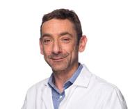 Le Dr Jean-Baptiste Rey,  pharmacien des hôpitaux et chef  du département Pharmacie