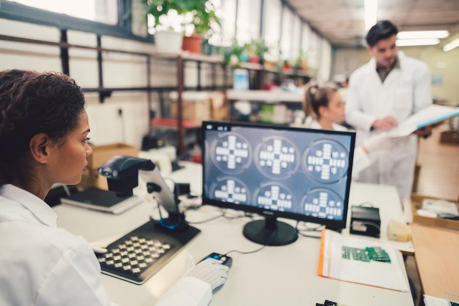 Soulager les organismes de santé avec un système d'intelligence contractuelle optimal