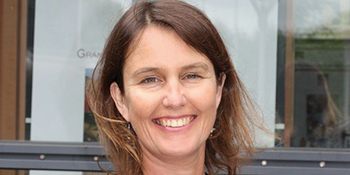 Le Pr Christine Balagué présidente de  la Chaire Réseaux Sociaux et Objets Connectés