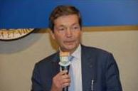 Le professeur Christian Brechot, directeur général de l'Institut Pasteur, s'est rendu à Hong Kong pour l'inauguration du pôle de recherche HKU-Pasteur Research Pole