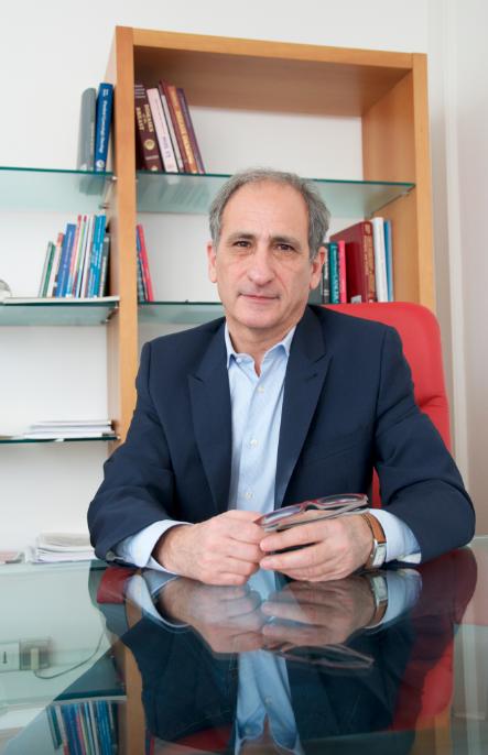 Le Professeur Patrice Viens est élu président d'UNICANCER