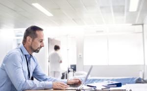 Services connectés 24/7 de KONE : une visibilité précieuse sur les flux de déplacement en centres médicaux
