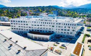 Centre Hospitalier Métropole Savoie : Sécuriser et centraliser la gestion des accès grâce à la technologie Aperio®