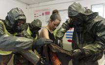 Exercice civilo-militaire de décontamination chimique à Lyon